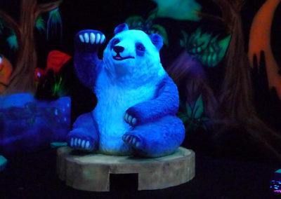 Panda en décor 3D fluo