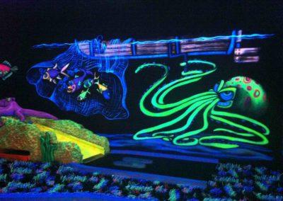 Glowyland mini-golf décor 2D fluo