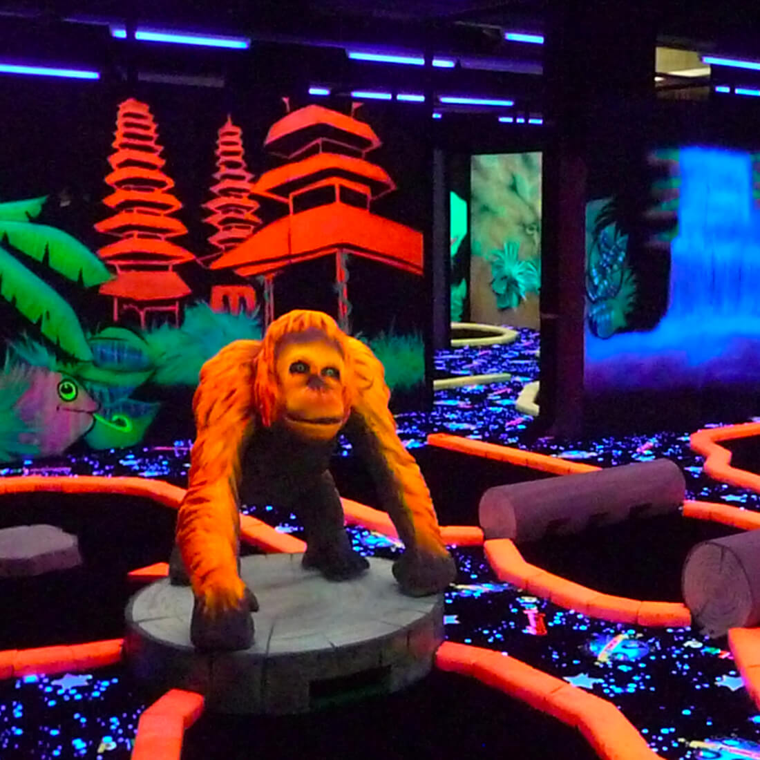 Glowyland mini-golf